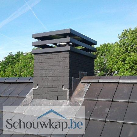 Een prachtige driedubbele vlakke schoorsteenkap